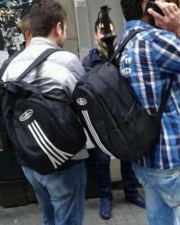 Çantalı sivil polisler dikkatlerden kaçmadı