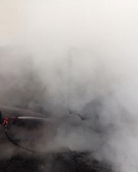 İtfaiye ve İETT aracını yaktılar