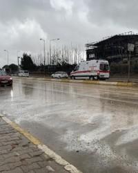 Tuzla'da yanan fabrika çevresinde yağmur tedirginl