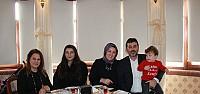 MHP Pendik Belediye Başkan Adayının eşinden Kadınlara Kahvaltı